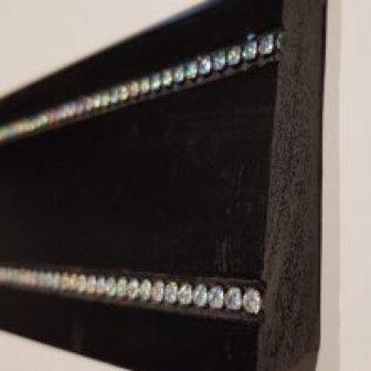 פנל מדוגם שחור אבנים גובה 8