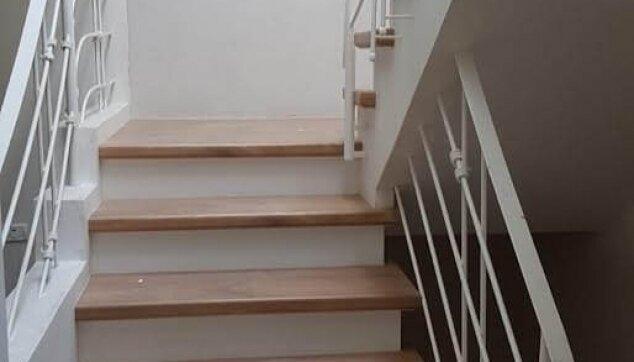 התקנת-מדרגות-פרקט