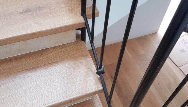 התקנת-פרקט-בשרון-על-גבי-מדרגות-התקנת-שלח-בלבד