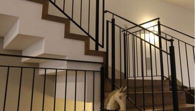 התקנת-פרקט-על-גבי-מדרגות-מבט-צד