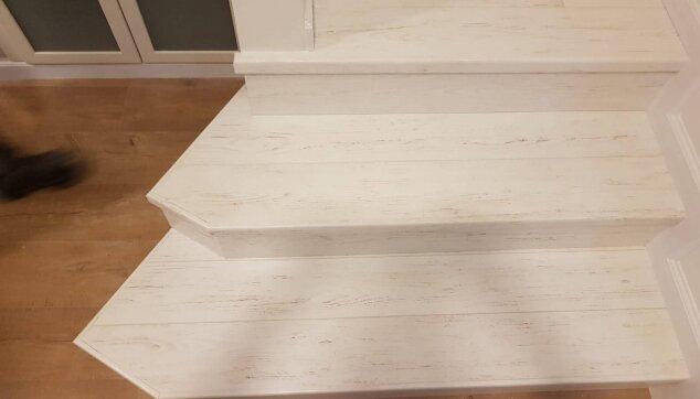 התקנת-פרקט-על-מדרגות-1-1