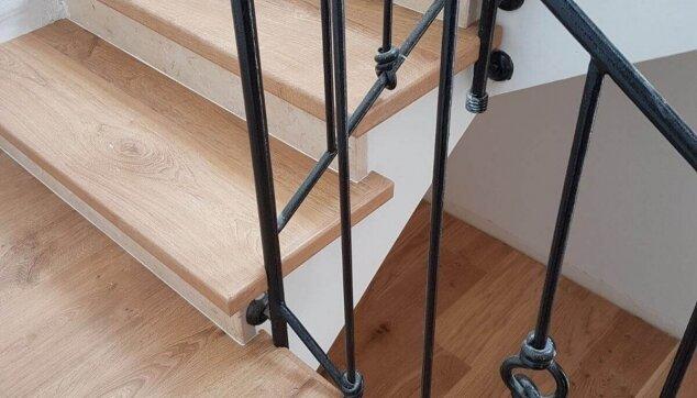 חיפוי-גרמי-מדרגות-בפרקט-למינציה