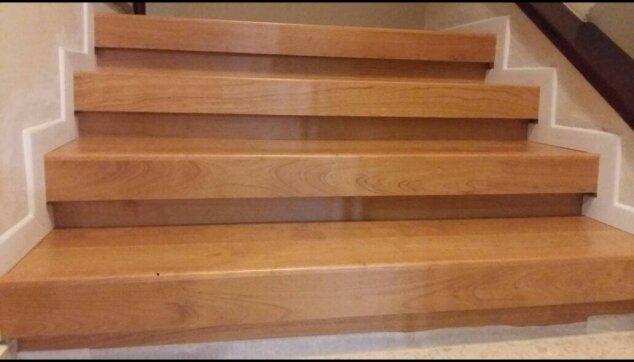 חיפוי-מדרגות-רום-ושלח-עם-סף-מדרגה-מושלם