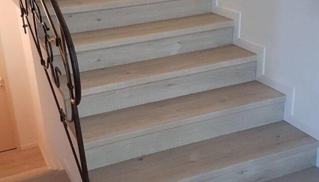 פרקט-למינציה-על-גבי-מדרגות-חשופות