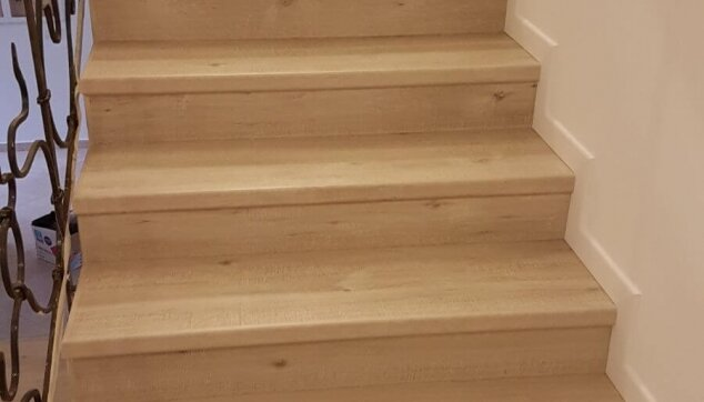 פרקט-על-מדרגות