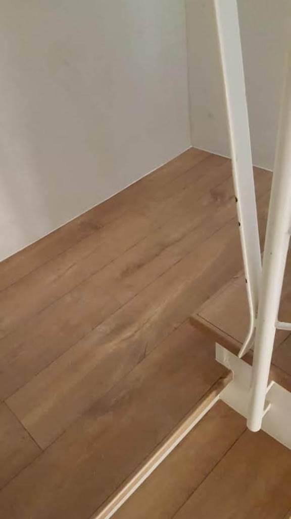 התקנת פרקט על גבי מדרגות