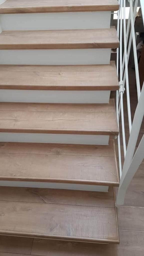 מדרגות מפרקט למינציה