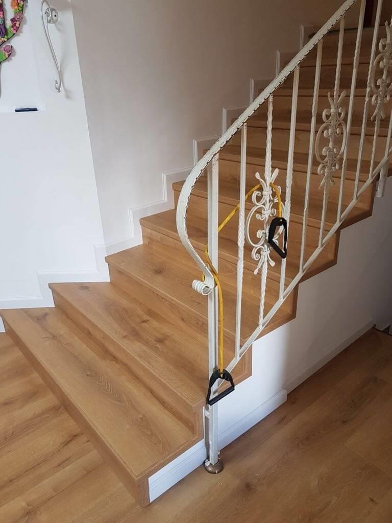 פרקט למינציה על גבי מדרגות חיפוי מלא