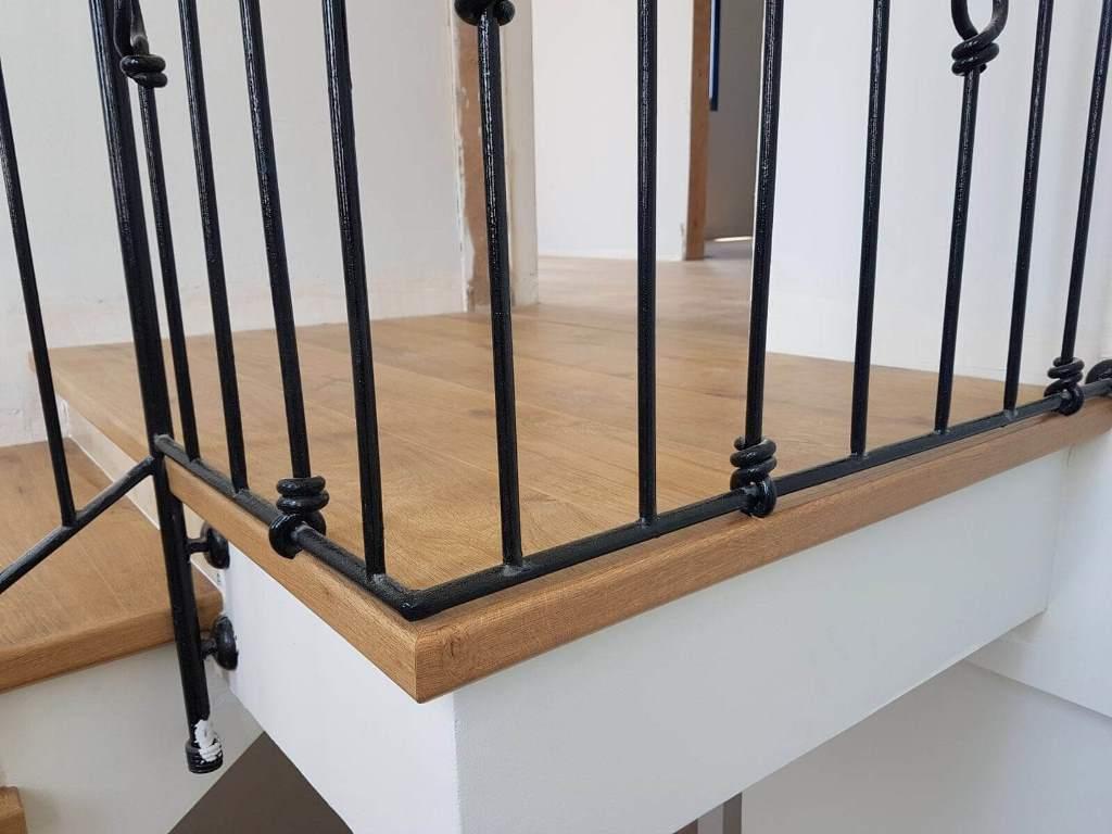 פיניש מושלם בקצה הקומה עם סף פרקט אורגינל