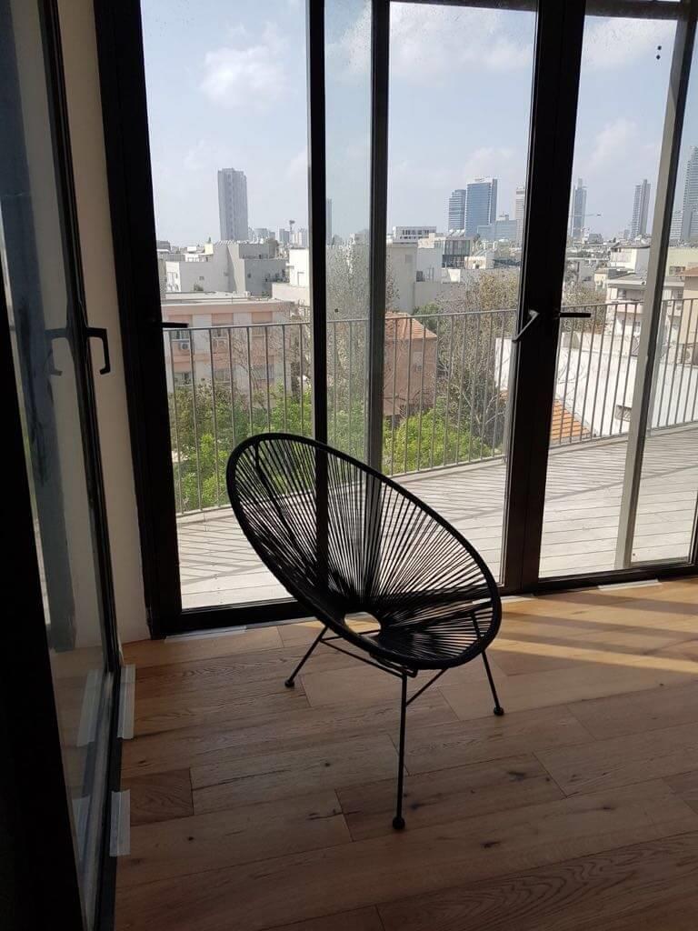 פרקט עץ טבעי הדירת מגורים